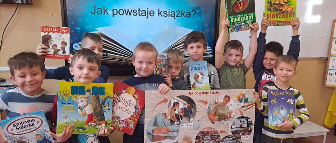 Światowy Dzień Książki w oddziale przedszkolnym 0b